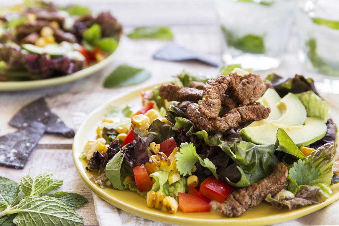 Guadalajara Salad with Seared Beef Strips