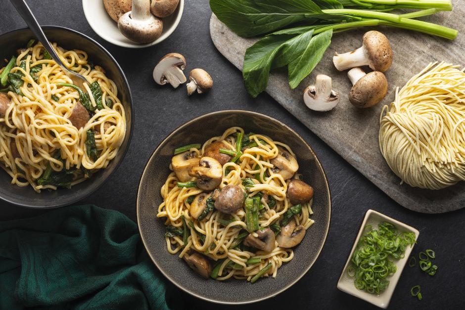 Spaghettis crémeux aux champignons et au miso