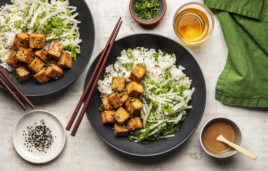 Bols de tofu glacé et de riz collant