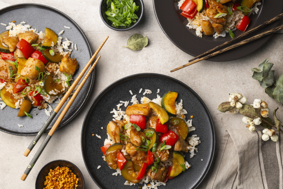 Kung Pao Chicken with Sweet Pepper & Zucchini