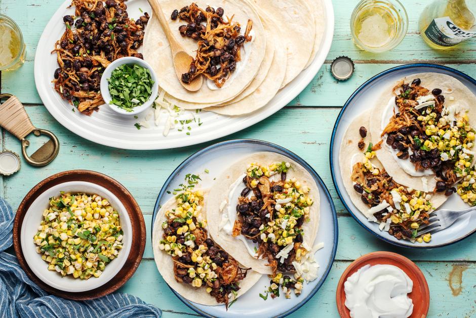 Tacos de champignons effilochés et de haricots noirs