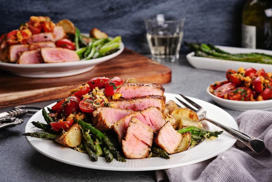 Seared Tuna with Smokey Catalan-Style Salsa