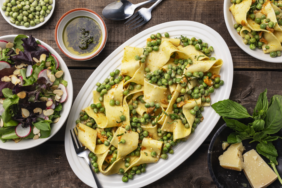 Fresh Pappardelle with Roasted Peppers & Peas