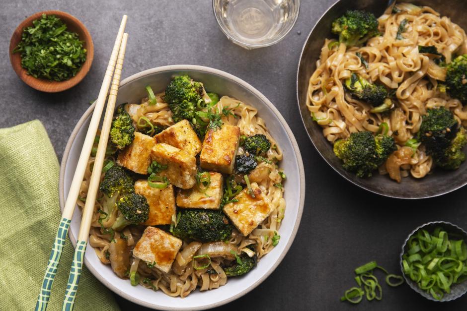 Crispy Tofu with Sticky Teriyaki Vegetables