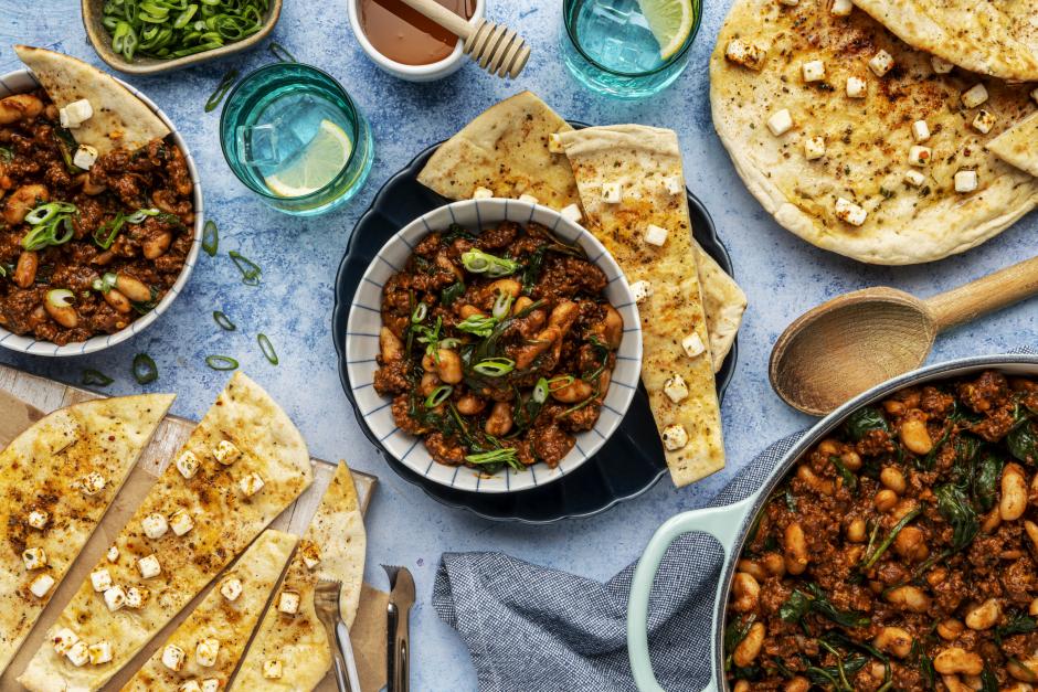 Mijoté de bœuf haché, de haricots et de légumes feuillus à la grecque