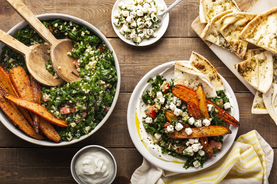 Assiette mezze de légumes estivaux