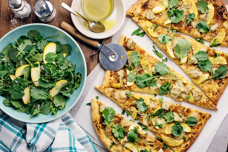 Tomato Pesto-Artichoke Flatbread with Bocconcini