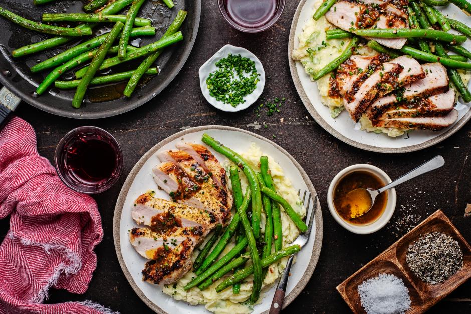 Seared Pork Chops with Garlic Sautéed String Beans