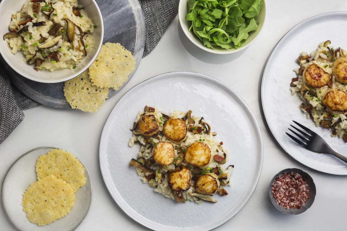Pétoncles poêlés avec risotto aux champignons homards & shiitake