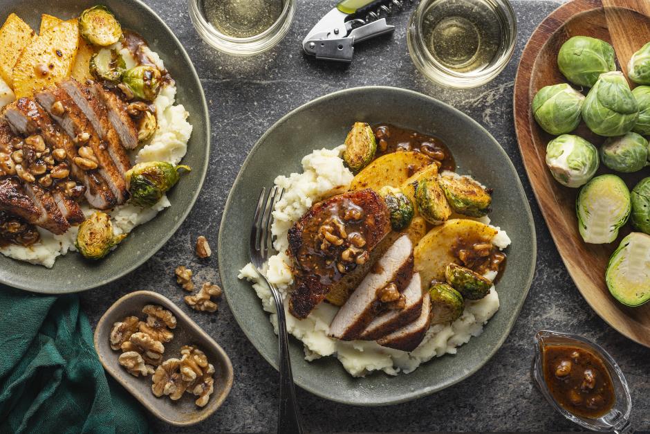 Côtelettes de porc aux épices avec rutabagas rôtis et purée