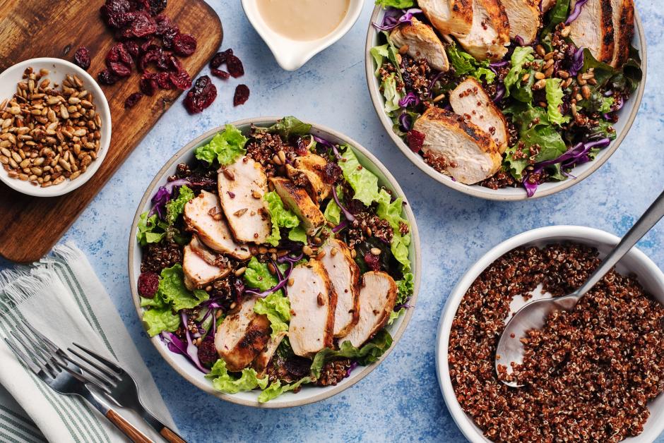 Poulet poêlé sur salade