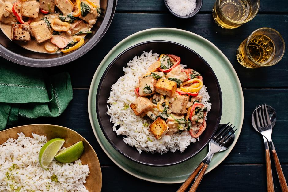 Moqueca de tofu sur riz basmati acidulé