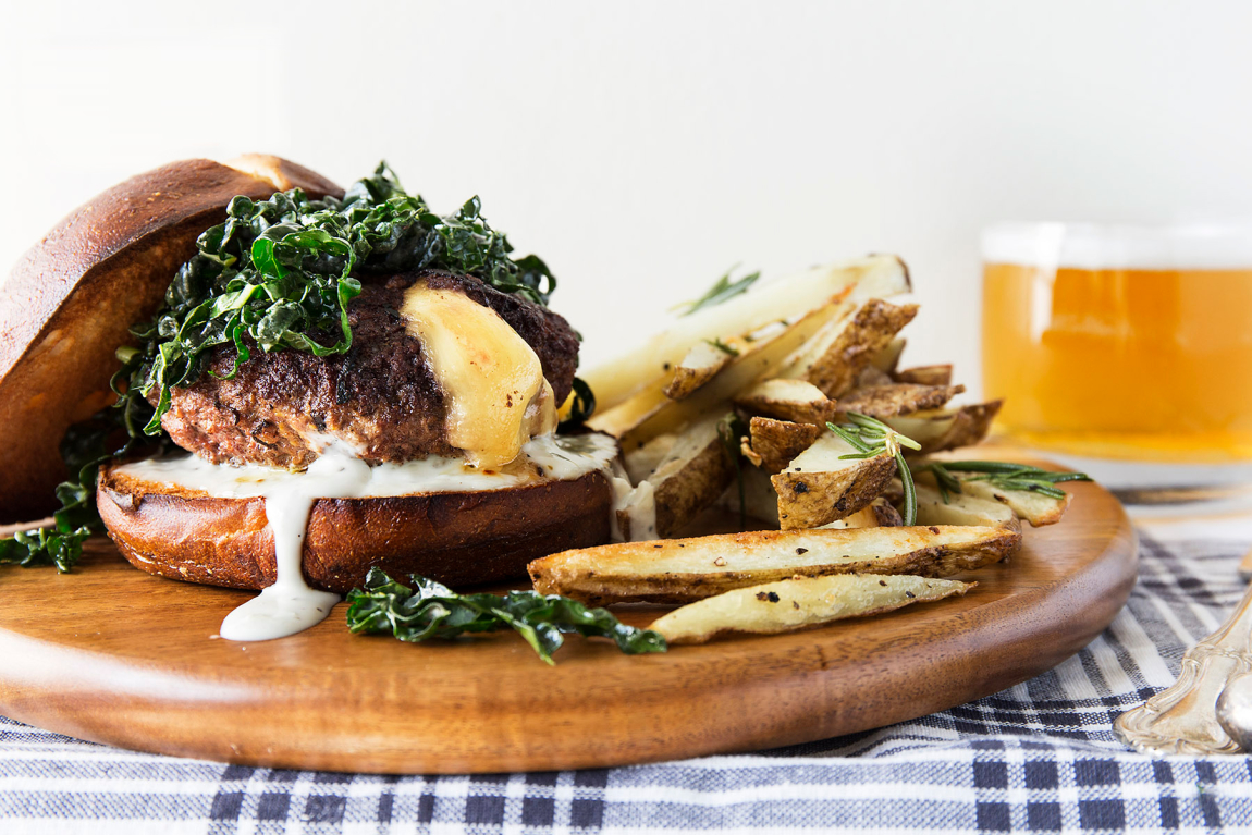 Burgers farcis au fromage provolone