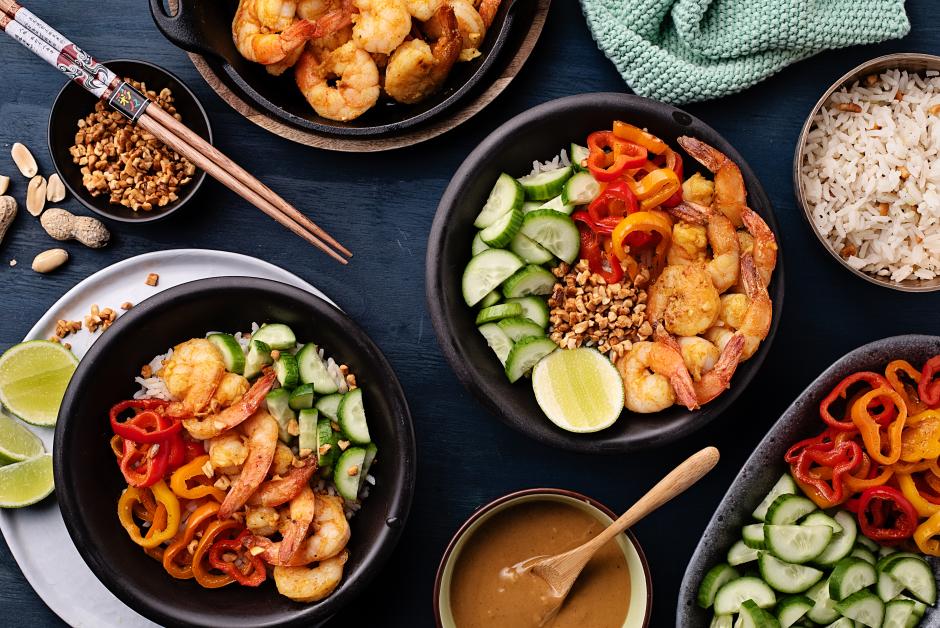 Bols bouddha aux crevettes satay