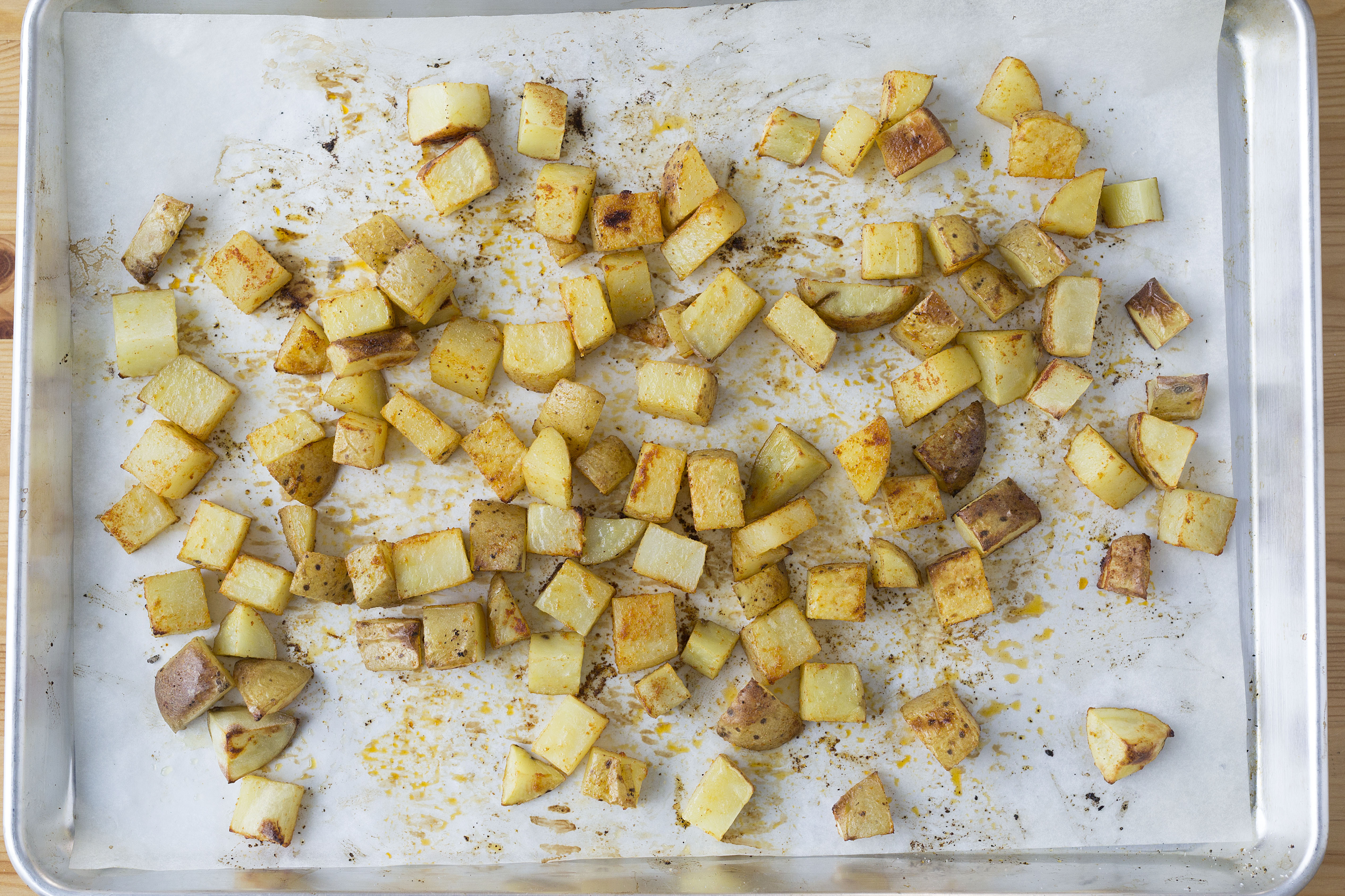 how to cook potatoes in the oven with chicken