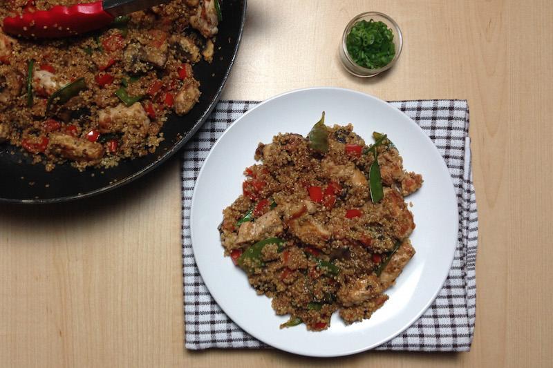 Quinoa chaufa au porc avec pois mange tout et - Cuisiner des pois mange tout ...